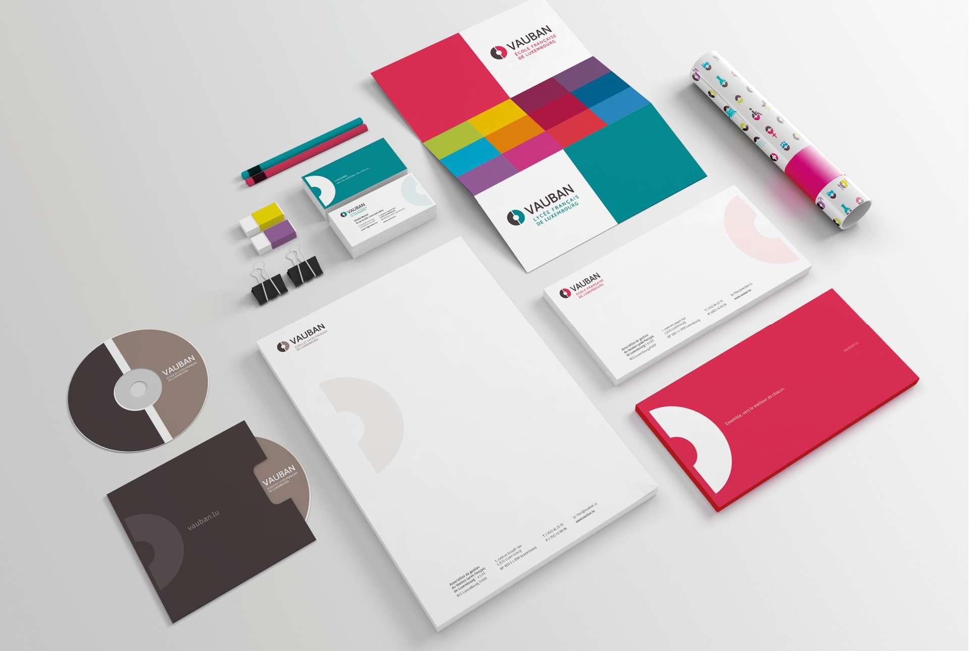 Vue globale de l'ensemble des supports de communication et objets promotionnels réalisés dans le cadre de la refonte du corporate de Vauban